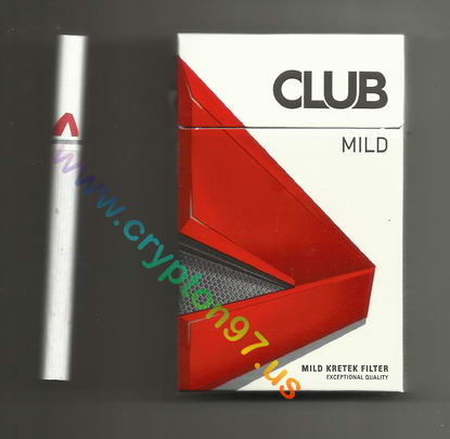 Batang rokok dan bungkus rokok kretek filter Club Mild